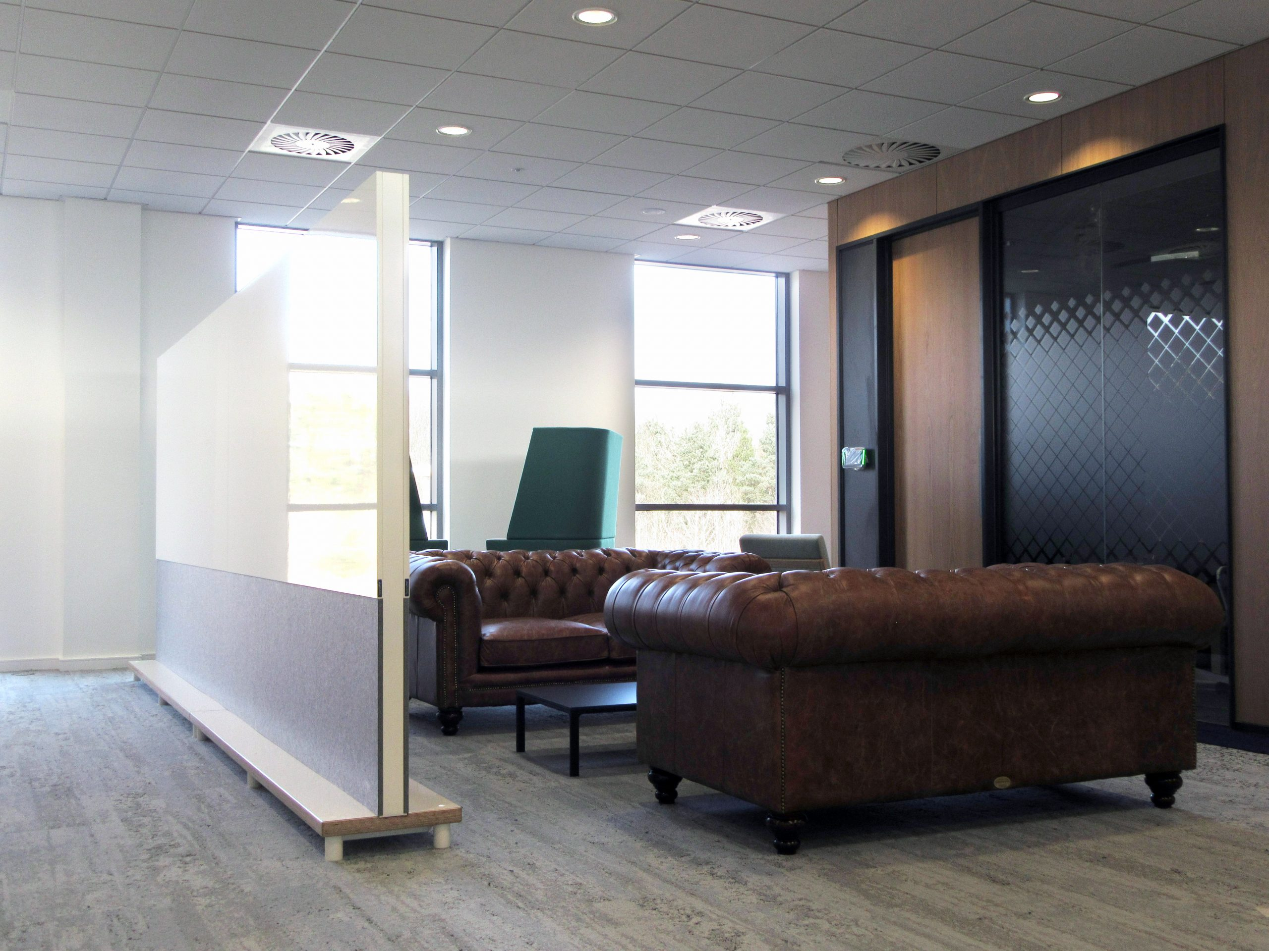 Freestanding acoustic office partition