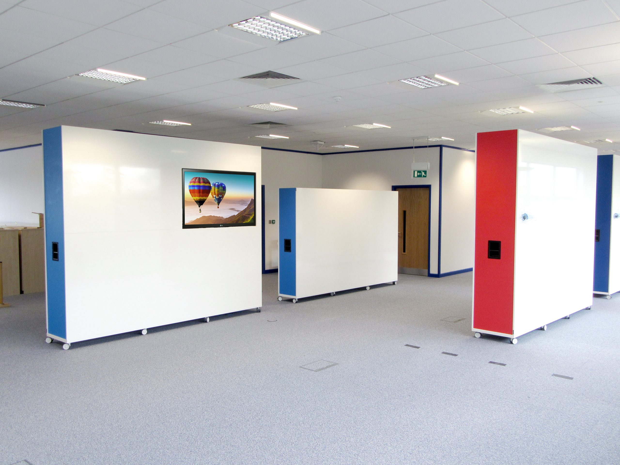 Standard and large office dividers